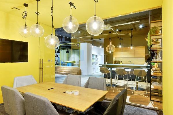 Nie biurko i nie open space czyli projektowanie przestrzeni do pracy XXI wieku