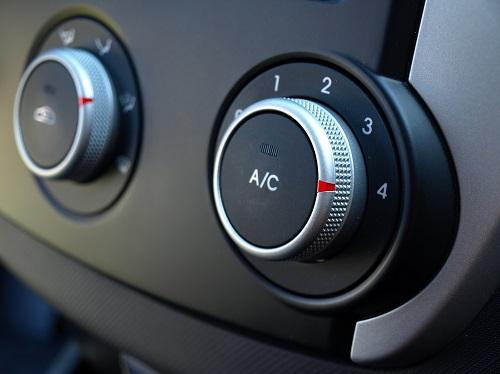 Klimatyzacja samochodowa – eksperci Premio radzą, jak o nią dbać, by służyła na lata