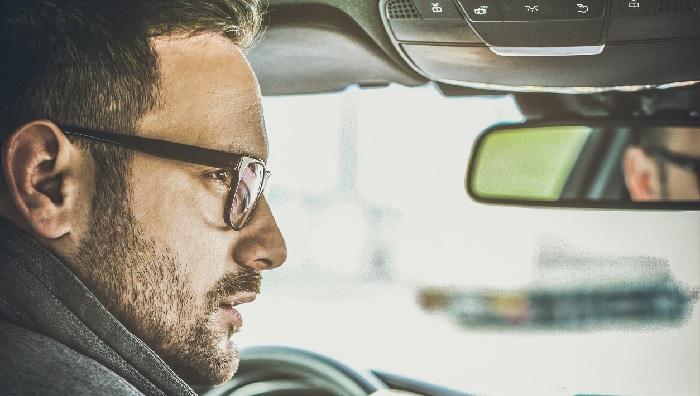 Blisko co czwarty kierowca bada swój wzrok rzadziej niż co 3 lata