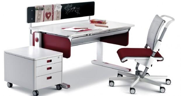Nasze dziecko za biurkiem