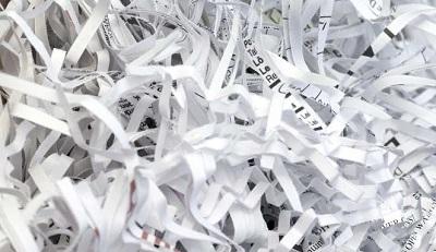 Niszczarka do dokumentów – inwestycja na lata. Co warto wiedzieć przed zakupem?