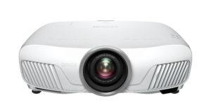 Polska premiera projektorów Epson Pro-UHD EH-TW7400 oraz LightScene EV-100 podczas tegorocznego Audio Video Show