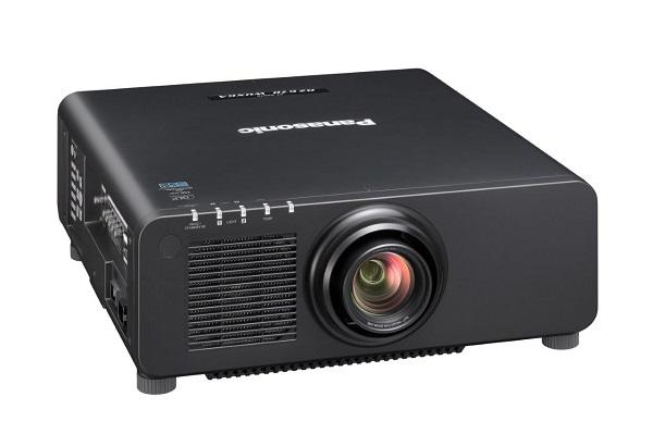 Panasonic z pierwszym na świecie superjasnym projektorem